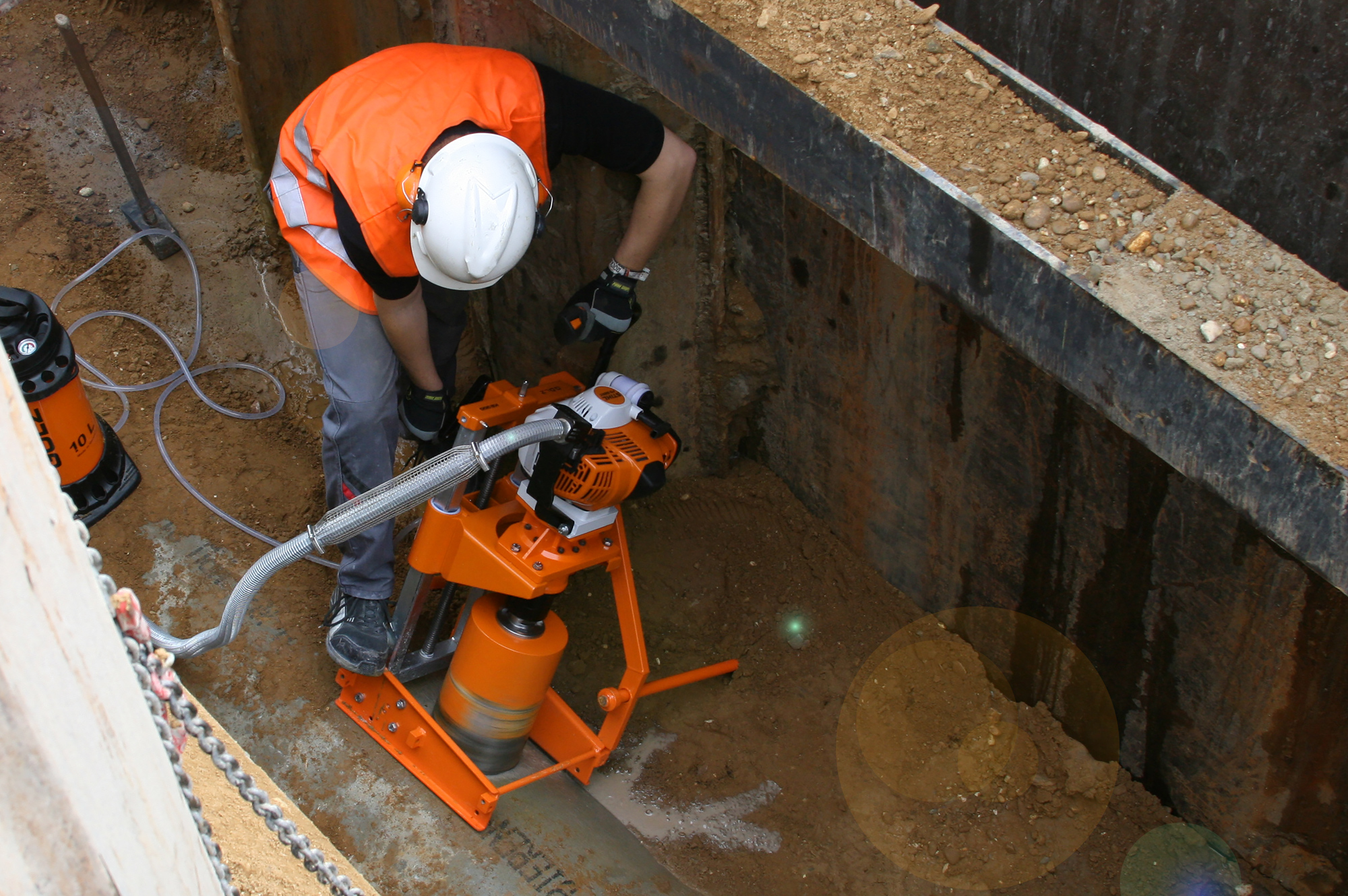 Golz KB 350 - The original and most modern solution in pipe and sewage drilling